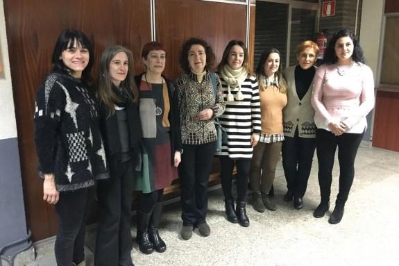 As mestras do grupo Torque coa autora da tese Sabela Fernández, segunda pola esquerda, e a directora da mesma, Marilar Aleixandre, cuarta - FOTO: USC
