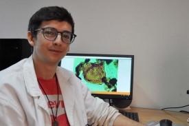 Artai Santos nun laboratorio do Edificio de Ciencias do campus de Vigo - FOTO: DUVI