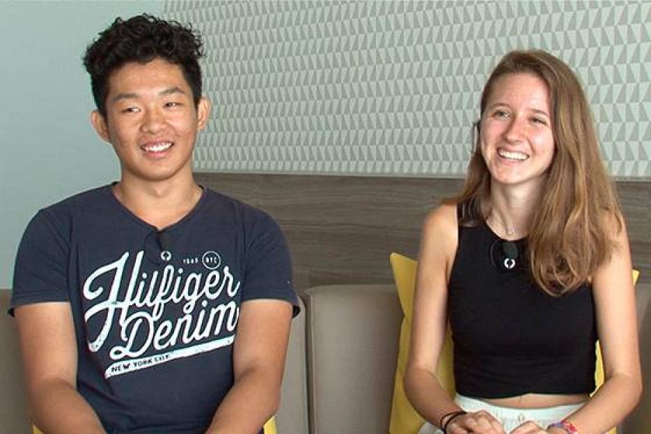 Los estudiantes Lihao Guo y Clàudia Platel, ganadores del 19º Premio UPC de bachillerato - FOTO: UPC