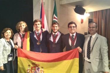 La delegación española participante en la Olimpiada Iberoamericana de Física   - FOTO: RSEF