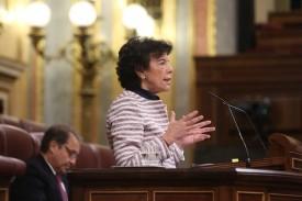 La ministra de Educación, Isabel Celaá durante la sesión de control al gobierno - FOTO: Ricardo Rubio/ Europa Press