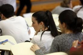 Estudiantes en una aula - FOTO: ECG