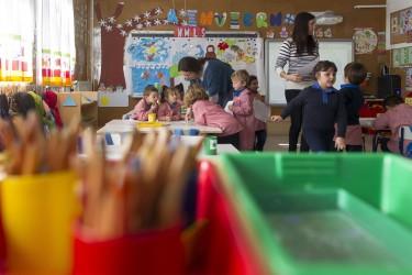 Imagen de un colegio con alumnos  - FOTO: EUROPA PRESS - Archivo