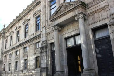 Imagen de la fachada de la Facultad de Medicina en Compostela - FOTO: ecg
