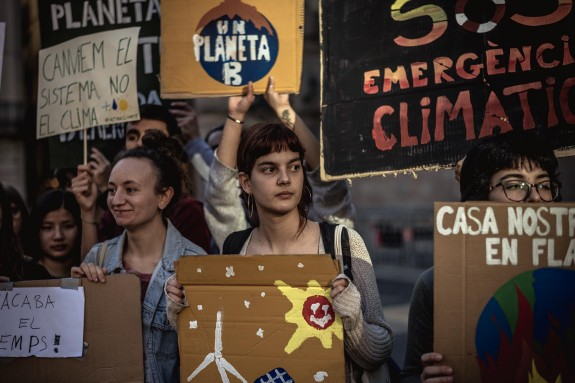 Students strike for better climate protection in Barcelona   - FOTO: Matthias Oesterle/ZUMA Wire/dpa