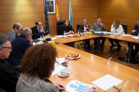 Carmen Pomar en una reunión con los directores de los centros de investigación - FOTO: XUNTA DE GALICIA