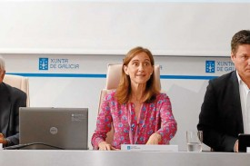 Fernando Jáuregui (izq.), pte. de Educa2020; Carmen Pomar, conselleira de Educación, y Josep Alfonso, director de la Fundación AXA - FOTO: Fernando Blanco