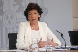 La ministra de Educación en funciones, Isabel Celaá durante su intervención tras el Consejo de Ministros del 30 de agosto  - FOTO: Jesús Hellín - Europa Press