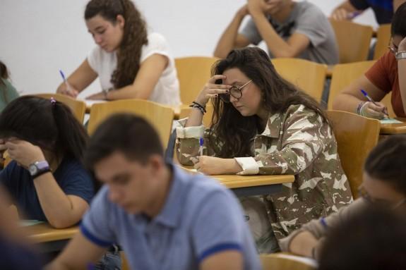Convocatoria extraordinaria de las pruebas de Selectividad en la Universidad de Sevilla.  - FOTO: María José López - Europa Press - Archivo