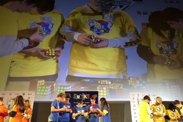 Escolares participantes en el campeonato interescolar del cubo de Rubik de 2018 celebrado en Madrid.  - FOTO: GOLIATH GAMES - Archivo