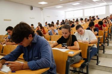 Examen de Selectividad el año pasado en Sevilla. - FOTO:  MARÍA JOSÉ LÓPEZ (EUROPA PRESS) - Archivo