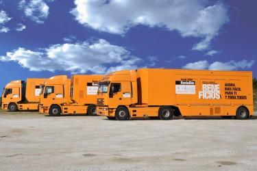 RENTABUS. Oficinas móviles de la compañía para las declaraciones de la Renta - FOTO: Silman 97