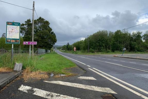Imaxe do estado actual da estrada AC-400 ó seu paso pola parroquia de Anxeriz, en Tordoia - FOTO: C. de T.