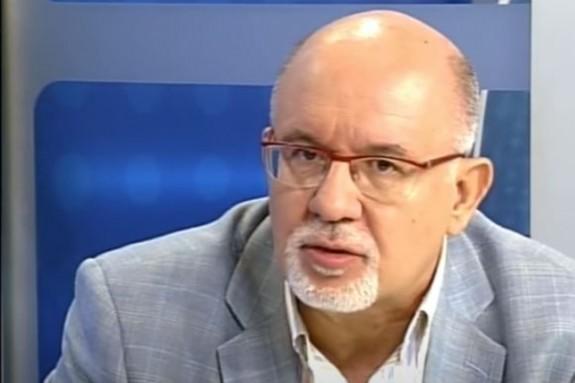 Manuel Arias en una visita a CorreoTV