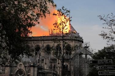 Incendio en Notre Dame de París
